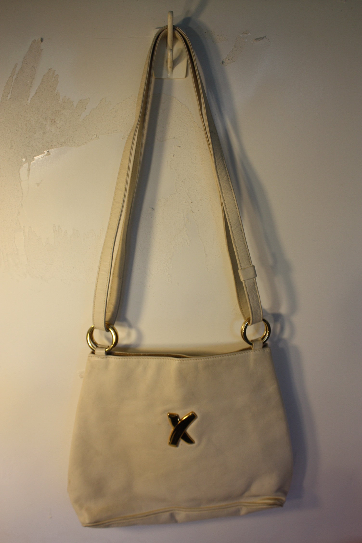 Paloma Picasso Made In Italy White Purse Hand Bag Pretty